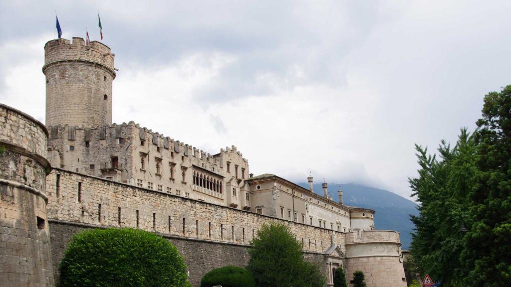 Castello-del-Buonconsiglio-Trento Hotel-Stella-Alpina-Andalo
