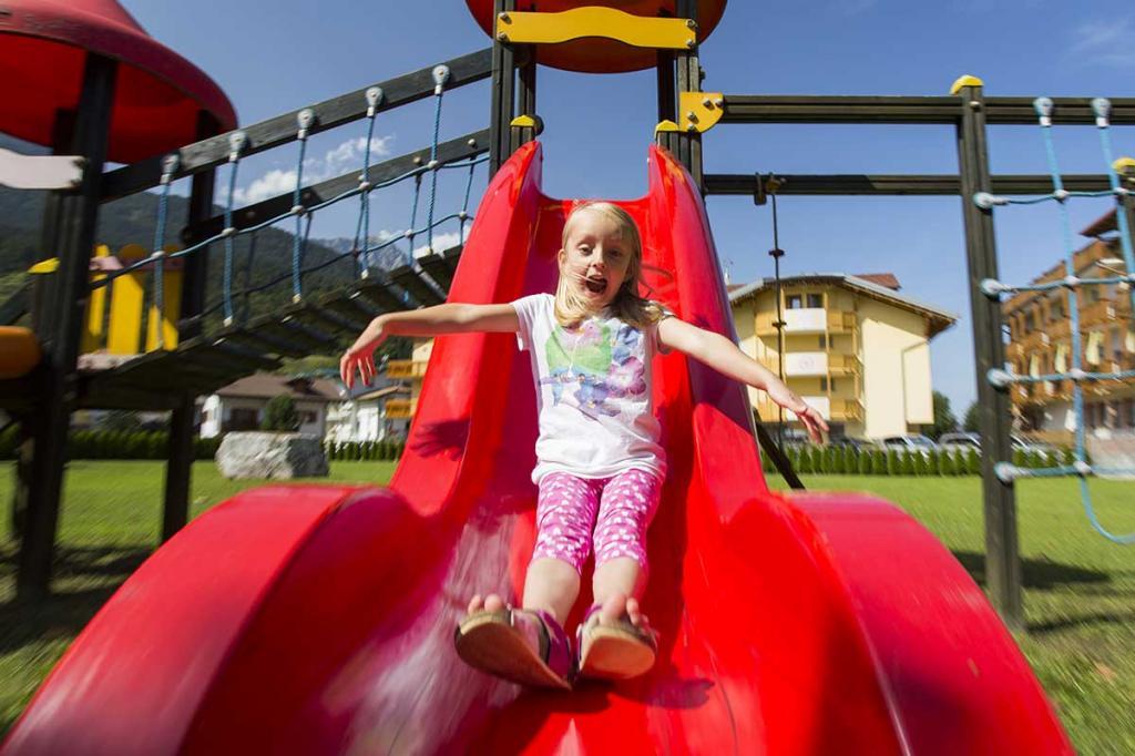 hotel-stella-alpina-andalo-hotel-con-parco-giochi-bambini2